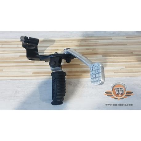 Holder Footrest Right Triumph Bonneville T 100 - Black - 2015<p>Triumph Bonneville T 100 - Black - 2015</p>