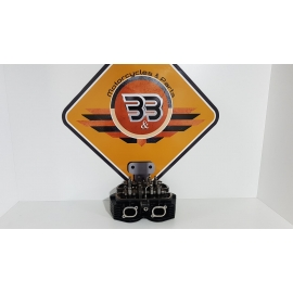 Cylinder Head Complete - Black Triumph T 100 EFI - 2009 Triumph T 100 EFI - 2009
